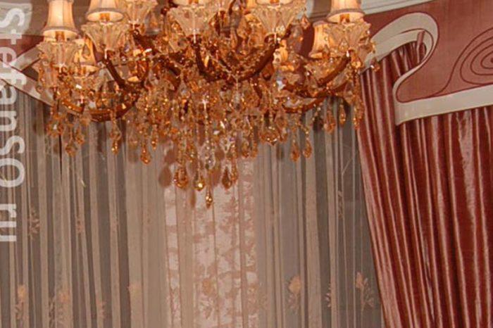 Натуральный шелк. Спальня в доме на Рублево-Успенском шоссе.